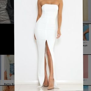 Strapless white bodycon evening dress with slit